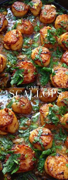 Healthy Garlic Scallops - in clarified butter (ghee) : CiaoFlorentina Fish Dishes, Seafood Dishes, Fish And Seafood, Seafood Pasta, Seafood Meals, Seafood Platter, Garlic Scallops Recipe, Baked Scallops, Carne Asada