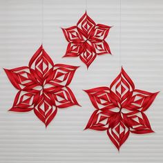 Hilde crochets: Making stars out of paper – Knippen Xmas Decorations, Home Deco, Origami, Merry Christmas, Beautiful Pictures, Presents, Diy Crafts, Crochet, Winter