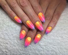 A glittering neon rainbow of nail loveliness ✨ #cndshellac #lecente #glitter #neonshadows #rainbownails #jensnails #wownails #nofilterneeded #neonnails