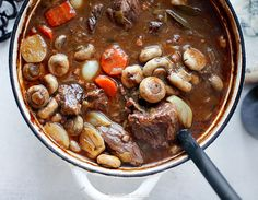 Boeuf Bourguignon Lunch Recipes, Healthy Recipes, Different Types Of Bread, Pot Roast, Main Dishes, Food Porn, Food And Drink, Dinner, Cooking