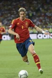 Spanish forward Fernando Torres controls the ball during the Euro 2012 football championships final match Spain vs Italy on July 1, 2012 at the Olympic Stadium in Kiev.