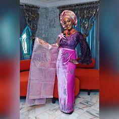Lovely Chinelo in her #traditionalwedding outfit. #tb #enugu #bride #asoebi #nativewear  #eikonworld