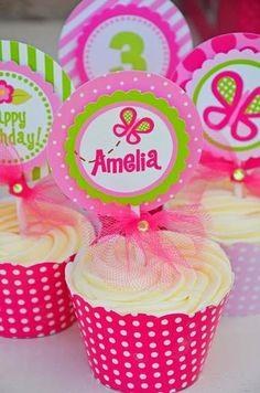 Inspire-se nessa linda festa com o Tema Borboletas do Site Hwtm (clique e veja o site!) com as cores rosa e verde!     Ideias do Site...
