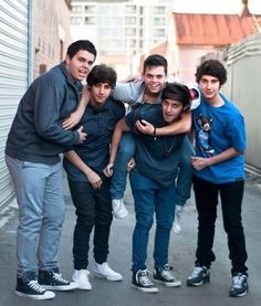 Image about cute in you don't know anything. Cute Boys, My Boys, Luke Brooks, Australian Boys, The Janoskians, English Artists, Young Actors, Brooks Brothers, Just Love