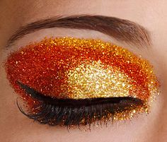 Orange glitter eyes - awesome fancy dress/ party make up Orange Eye Makeup, Glitter Eye Makeup, Orange Eyeshadow, Makeup Eyes, Sparkle Makeup, Sparkly Eyeshadow, Fancy Makeup, Makeup Art, Glitter Carnaval