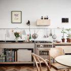 Une cuisine minimaliste en contreplaqué