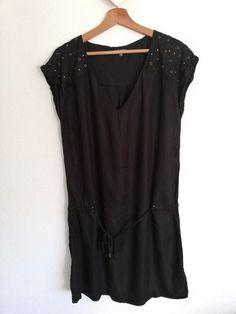 2b90f7e24bbfb5 Robe tunique noire manche courte avec clous metal Longueur au-dessus du  genou Peu porté