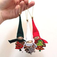 Crafted some tiny pinecone elves last night! Cork Christmas Trees, Christmas Ornament Crafts, Christmas Crafts For Kids, Kids Christmas, Holiday Crafts, Pinecone Ornaments, Christmas Centerpieces, Christmas Decorations, Pine Cone Crafts
