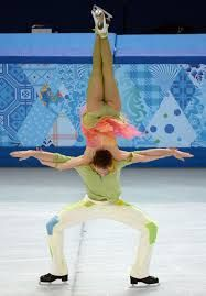 France's Nathalie Pechalat and Fabian Bourzat perform in the Figure Skating Ice Dance Free Dance during the Sochi Winter Olympics. Pairs Figure Skating, Figure Ice Skates, Ice Skating Pictures, Gymnastics Flexibility, Athletic Events, Ice Dance, Ice Princess, Winter Games, Ballet