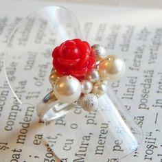 Inel placat cu argint, perle swarovski si trandafiras din polimer rosu.