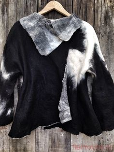 Merino&silk www.fieltrounico.com.ar Textile Fiber Art, Fibre Art, Textiles, Unique Fashion, Fashion Design, Nuno Felting, Felt Art, Unique Outfits, Shibori