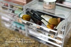 make up artists aren't the only ones that should have organized make up spaces. We use our hard earned money on finding the perfect color so why not make sure we're taking care of our cosmetics when we're not applying. Make up Organization via A Bowl Full of Lemons