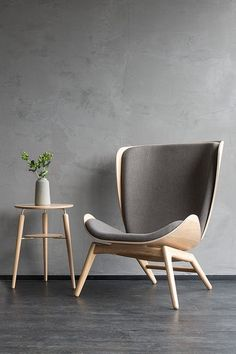The READER armchair is the perfect place to relax in a good book. Contemporary Chairs, Modern Chairs, Log Furniture, Furniture Design, Diy Interior, Interior Design, Lounge Chair Design, Showroom Design, Chairs