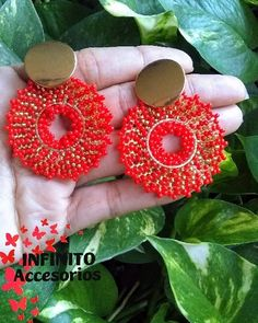 aretes tejidos en mostacilla y topos en acero inoxidable Crochet Earrings, Stainless Steel, Stud Earrings, Tejidos