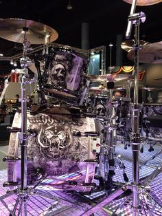 Mikkey's Drums in lavender purple colors. Photo pinned via Dante Aguilar's #DRUMS #Pinterest board.