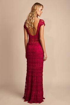Crochet gown 'Donatella' by Giovana Dias