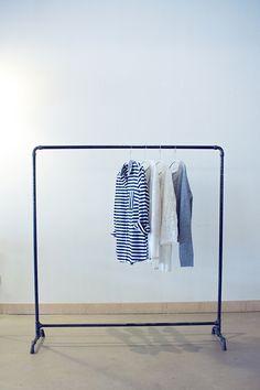 """Garderoben - Kleiderstange """"Industry"""" Stahlrohr 1,25 m - ein Designerstück von fireandsteel bei DaWanda"""