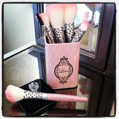 Modern Monroe Pink Leopard PRO Cosmetic Brushes! Pink Makeup brushes, Leopard! Loving them