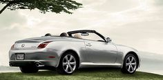 lexus hybrid convertible... yes please!