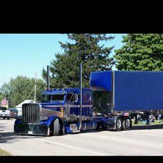 Momma Mia, love the paint job. Momma Mia, love the paint job. Momma Mia, love the paint job. Momma Mia, love the paint job. Show Trucks, Big Rig Trucks, Custom Big Rigs, Custom Trucks, Diesel Trucks, Ford Gt, Audi Tt, Pick Up, Truck Paint