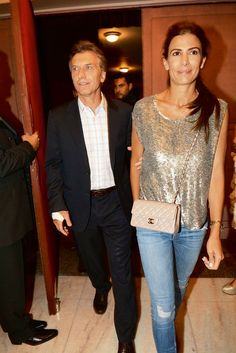 Juliana Awada y Mauricio Macri Sport Outfits, Casual Outfits, Estilo Real, Royal Fashion, Powerful Women, Summer Looks, Everyday Fashion, Spring Summer Fashion, Casual Looks