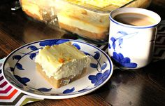 Low Carb Lemon Cheesecake Bars made with cream cheese, lemon, almond flour, and baked to perfection! Low carb dessert for healthy life Lemon Cheesecake Bars, Low Carb Cheesecake, Lemon Bars, Cheescake Bars, Cheesecake Recipes, Low Carb Deserts, Low Carb Sweets, Low Carb Keto, Low Carb Recipes