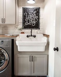 A laundry room that makes you actually excited to do laundry!  @magnolia does it again! ➕ Who loves the smell of fresh laundry?! What is your favorite laundry scent?