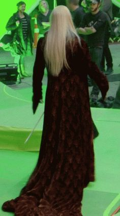 """mystery-lady-in-tardis: """" """"How to be fabulous"""" by Thranduil 1. walk 2. feel the moment 3. turn 4. pose Now you are fabulous. """""""