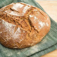 Ny artikkel på bloggen nå  Jeg har skrevet om surdeig og hvorfor det er så bra! Link i bio.  Surdeigsbrød er lettere å fordøye og gir deg flere næringsstoffer enn brød bakt med vanlig gjær Paleo, Bread, Instagram Posts, Food, Brot, Essen, Beach Wrap, Baking, Meals
