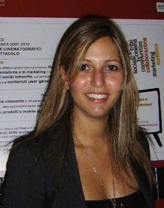 Emanuela Zaccone  perchè ce ne sono poche preparate come lei e pure se è una delle persone più conosciute del panorama web italiano non fa la star! Big data e social tv le sue passioni, ma in grado di dialogare su tutti gli aspetti del web e, cosa più importante, della vita.