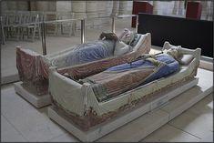 Fontevraud - les gisants dans l'église abbatiale