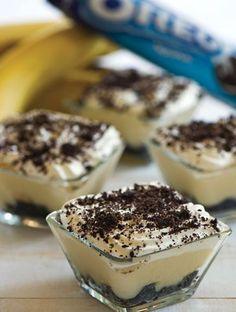 With banana ♥Matina Greek Sweets, Greek Desserts, Small Desserts, Mini Desserts, Summer Desserts, Greek Recipes, Sweets Recipes, Cake Recipes, Cooking Recipes