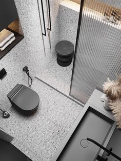 Bathroom Renovation Cost, Open Bathroom, Bathrooms, Small Toilet, Bad Inspiration, Toilet Design, Bathroom Design Luxury, Gray Interior, Glass Design