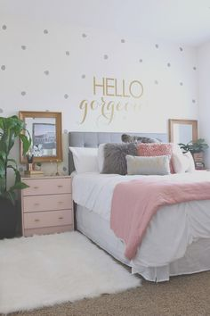 If your teen is ready to ditch their childhood style, here are 12 examples of transitional teen bedrooms to your teen will love right through high school. Teenage Girl Bedroom Designs, Cool Teen Bedrooms, Teenage Girl Bedrooms, Girl Rooms, Bedroom Ideas For Women, Small Girls Bedrooms, Trendy Bedroom, Small Room Bedroom, Room Ideas Bedroom