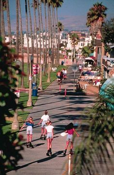 some boardwalk rollerblading and people watching is ON the Bucket List! #Motel6UBL  Newport Beach/Balboa Island California Lifestyle galore!