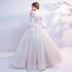 68 Trendy ideas for wedding gown ballgown lace haute couture Affordable Wedding Dresses, Bridal Wedding Dresses, Ivory Wedding, Affordable Bridal, Cute Wedding Dress, Wedding Shoes, Wedding Flowers, Wedding Gown Ballgown, Pretty Dresses