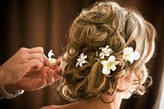 A Sign of the Times: Wedding Hair: Flower Accessories | Wedloft by WeddingWindow.com