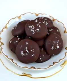 *Rook No. 17: recipes, crafts & whimsies for spreading joy*: How to Make: Easy Chocolate Dipped Caramallow Patties