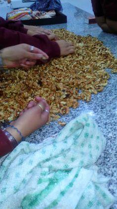 Elaboración de nueces confitadas por alumnos de 5to año de ESOT