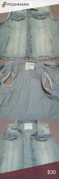Aeropostale denim vest Lightly used so still in good condition. Aeropostale Jackets & Coats Vests
