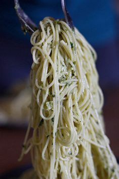 How to cook pasta like a pro.  Some great tips for cooking and re-heating pasta