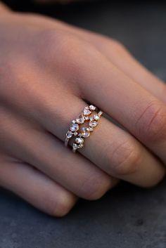 Bague de mariage : gold and rose cut diamond cluster ring Luna Skye by Samantha Conn Diamond Cluster Ring, Rose Cut Diamond, Diamond Rings, Pretty Rings, Beautiful Rings, House Beautiful, Cute Jewelry, Jewelry Accessories, Jewlery