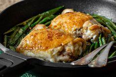 Te explicamos paso a paso, de manera sencilla, cómo hacer la receta de pollo al horno a la mantequilla. Tiempo de elaboración, ingredientes,