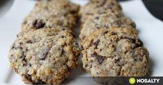 Étcsokis - zabpelyhes keksz recept képpel. Hozzávalók és az elkészítés részletes leírása. Az étcsokis - zabpelyhes keksz elkészítési ideje: 30 perc Banana Bread, Paleo, Deserts, Muffin, Food And Drink, Snacks, Cookies, Chocolate, Breakfast