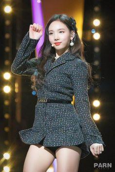 181123 Nayeon looking gorgeous during Blue Dragon Film awards Stage Outfits, Kpop Outfits, K Pop, South Korean Girls, Korean Girl Groups, Nayeon Twice, Dahyun, Im Nayeon, Nice Tops