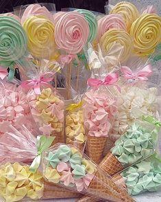 Slika može sadržavati: cvijet, biljka i hrana Candy Theme Birthday Party, Butterfly Birthday Party, Girls Birthday Party Themes, Garden Birthday, Candy Party, Unicorn Birthday Parties, Birthday Party Decorations, Girl Birthday, Decoration Buffet