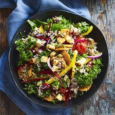 A healthier WW recipe for Rainbow salad bowl ready in just Get the SmartPoints value plus browse other delicious recipes today! Weight Watchers Vegetarian, Weight Watchers Meals, Ww Recipes, Vegetarian Recipes, Healthy Recipes, Rainbow Salad, Halloumi, Fresh Mint, Salad Bowls