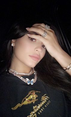 kylie jenner jewelry kylie jenner n gel kylie jenner cartier love bracelet cart Kylie Jenner Outfits, Kylie Jenner Ringe, Kylie Jenner Schmuck, Kylie Jenner Cartier, Gloss Kylie Jenner, Kendall E Kylie Jenner, Trajes Kylie Jenner, Kylie Jenner Nails, Kendall Jenner Outfits