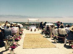 Altar en la playa Altar, Dolores Park, Table Decorations, Beach, Travel, Flowers, Viajes, The Beach, Beaches