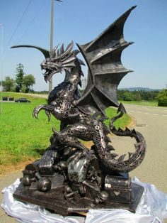dragon statue sculpture figure, life size scrap metal art  --  scrap-metal-art-thailand.com